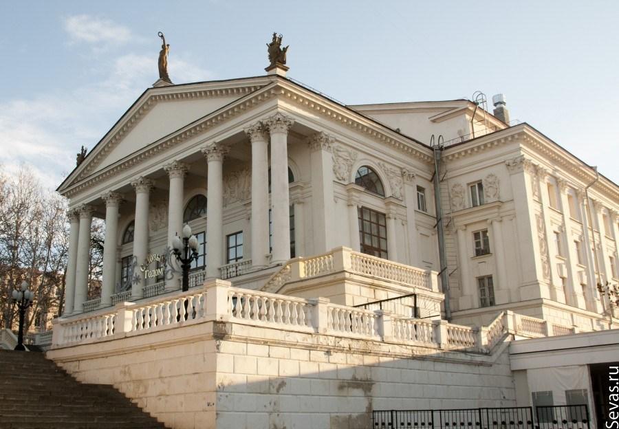 Театр лавренева севастополь официальный сайт афиша обзор бесплатных хостингов для домашних страниц